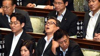 国会寝技11.jpg